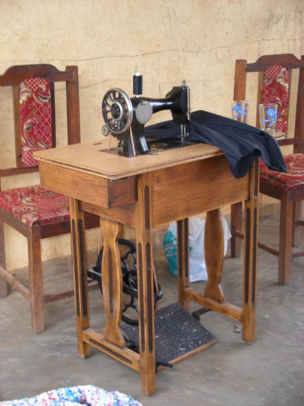 Sewing Machine at Kapitikusya